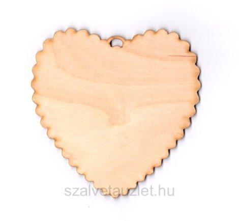 Fa fodros szív f1675